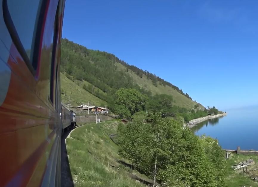 На КБЖД временно приостановлено движение поездов в связи с камнепадом