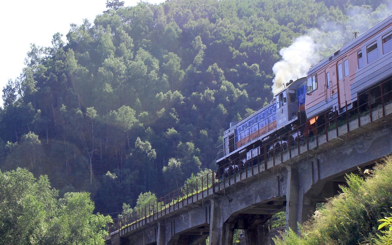 На КБЖД растет количество туристов, перевезенных поездами