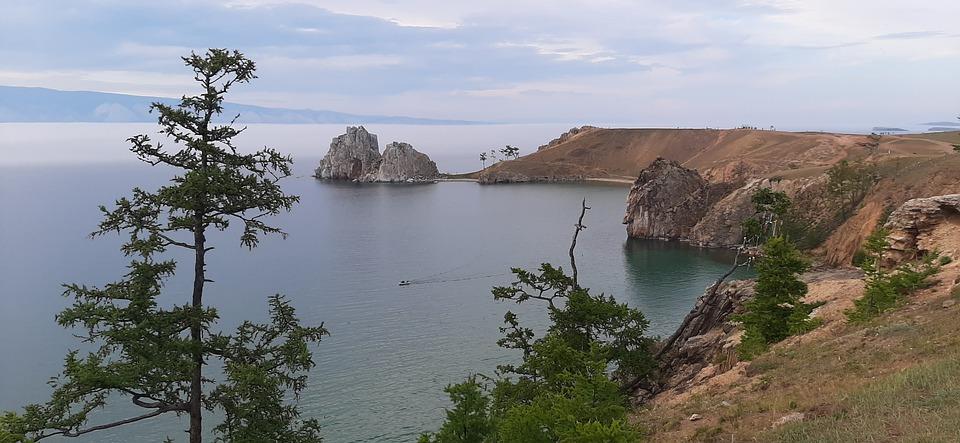 В Иркутской области прокуратура в судебном порядке обязала ООО «Улирба» освободить самовольно занятые земельные участки на острове Ольхон